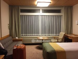 Sudut kamar di Karuizawa Prince Hotel.